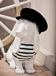 © Merisi @ http://www.viennaforbeginners.com/2013/05/a-dog-in-breton-cap-and-other-french.html