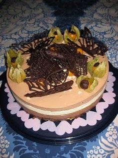 Itse tehty kolmen suklaan kakku