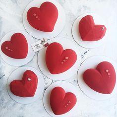 Сколько сегодня сердец отдала ❤️❤️❤️ Я даже не стала их считать 🙈   Всем любви и счастья!))))  __________________________  #zefirbakery#vsco#vscofood#cake#cakes#cakedesign#cakedecorating#cakestagram#cakeart#cakeporn#instacake#cupcake#cupcakes#cupcakestagram#cupcakeporn#cupcakedesign#cupcakedecorating#instacupcake#cakepops#cakepopstagram#instacakepops#dessert#desserts#dessertsporn#dessertstagram#yum#yummy#moussecake#mirrorglaze#pastry