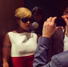 17dbdea848dd Mary J. Blige models  dsquared2 oversized sunglass style DQ0189 from  Marcolin at the