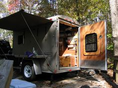 Enclosed Converting Trailer to Toy Hauler Camping - Bing Images Enclosed Trailer Camper Conversion, Utility Trailer Camper, Enclosed Cargo Trailers, Work Trailer, Cargo Trailer Conversion, Trailer Plans, Camper Trailers, Travel Trailers, Tiny Trailers
