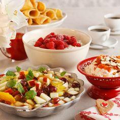 Juledesserter – riskrem, multekrem og fruktsalat Fruit Salad, Food, Fruit Salads, Essen, Meals, Yemek, Eten