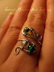 green swirl ring(I think this is a picture only)  Looks easy to make.