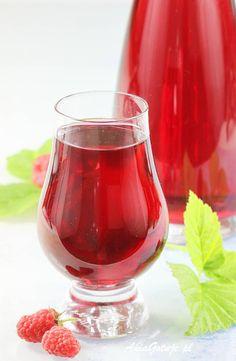 Nalewka z malin. Cocktail Recipes, Cocktails, Cold Deserts, Raspberry Liqueur, Triple Sec, Bottle Design, Schnapps, My Favorite Food, Mojito