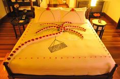 Anantara Kihavah palm tree Romantic Bedroom Design, Marriage Couple, Comforters, Romantic Ideas, Blanket, Couple Goals, Relationships, Couples, Home
