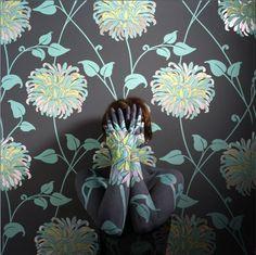 Cecilia Paredes http://www.blckdmnds.com/autorretratos-camuflados-de-cecilia-paredes/