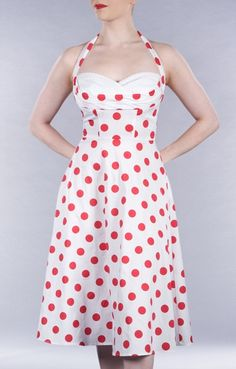 ♥ - From Stopstaringclothing.com, a vintage clothing reproduction site --Love this!