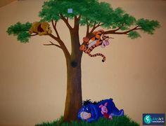 Muurschildering Winnie de Pooh in een boom on Lizart  http://lizart.be/wp-content/uploads/muurschilderingen-winnie-de-pooh-figuurtjes/muurschildering-winnie-the-pooh.jpg