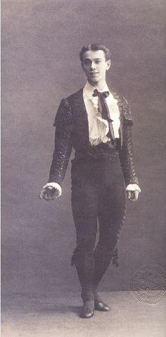 """Vaslav Nijinsky in """"Paquita"""" - Pas de trois 1908"""