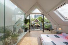 loftwoning Delfshaven // zolder met slaapkamer aan het dakterras // loft in Rotterdam // bedroom attic with green roof terrace