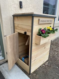 Protect your in coming packages with this easy DIY! Mail Drop Box, Parcel Drop Box, Diy Wood Projects, Home Projects, Woodworking Projects, Diy Mailbox, Mailbox Stand, Wooden Mailbox, Mailbox Ideas