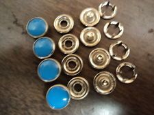 "PEARL SNAP-HOT BLUE-1 DOZEN-SIZE 18(7/16"" DIAMETER)-U.S. MADE-PRONG BACKS"