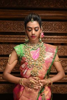 Looking for Stunning south indian bridal necklace with pink and green kanjivaram saree? Browse of latest bridal photos, lehenga & jewelry designs, decor ideas, etc. on WedMeGood Gallery. Bridal Necklace, Bridal Jewelry, Silver Jewelry, Indian Jewelry, Silver Rings, Silver Bracelets, Antique Jewelry, South Indian Bride, Indian Bridal