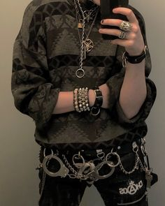 Best Ways To Style Your Outfits - Fashion Trends Alternative Outfits, Alternative Mode, Alternative Fashion, Punk Outfits, Grunge Outfits, Fashion Outfits, Mode Grunge, Style Grunge, Grunge Boy