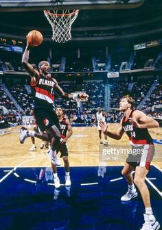 Clyde Drexler, Portland Trailblazers, Trail Blazers, Old School, Nba, Basketball Court, City, Sports, Hs Sports