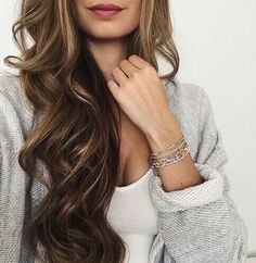 Shop best beauty tools and exclusive fashion jewelry for women online such as bracelets, earrings, necklaces. Explore our chic jewelry & best selling beauty tools now Hair Inspo, Hair Inspiration, Corte Y Color, Brunette Hair, Blonde Hair, Great Hair, Hair Day, Gorgeous Hair, Pretty Hairstyles