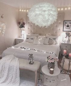 21 Beautiful Dream Rooms Ideas Looking for inspiration for remodel your dreamy room? Here are some ideas to make your dreamed room become reality! check out beautiful room ideas for your inspirations! Cute Room Ideas, Cute Room Decor, Teen Room Decor, Cute Bedroom Ideas For Teens, Beauty Room Decor, Bedroom Decor Ideas For Teen Girls, Cute Teen Bedrooms, Cheap Bedroom Ideas, Amazing Bedrooms