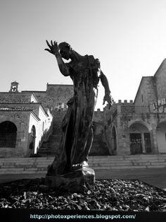 Figura de 'Los burgueses de Calais' de Auguste Rodin.