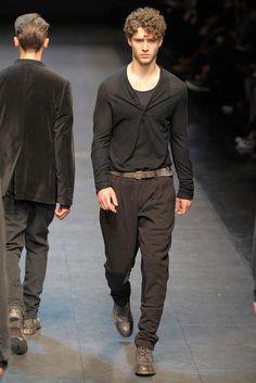 Dolce & Gabbana Fall 2010 Menswear Fashion Show