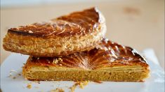 King Cake 👑 Classic Puff Pastry – Bruno Albouze Biscuits, Puff Pastry Sheets, Puff Pastry Recipes, Almond Recipes, Sweet Cakes, Tray Bakes, Food Processor Recipes, Baking, Classic