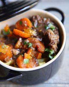 Boeuf aux carottes et au vin rouge à l'autocuiseur »