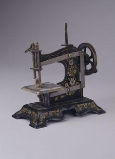 Symaskin (barnemodell) | 1900/1920 | Digitalt Museum | Public Domain