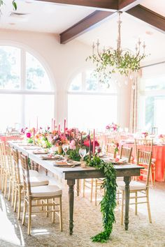 Bright and whimsical wedding Decor- http://www.stylemepretty.com/florida-weddings/winter-park-fl/2015/08/12/bright-whimsical-winter-park-wedding/ | Photography: Amalie Orrange - http://amalieorrangephotography.com/