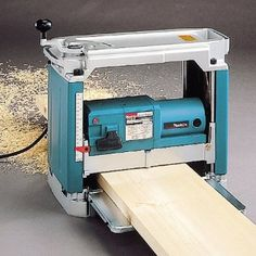 Makita Planer with Interna-Lok Automated Head Clamp Woodworking Tools For Beginners, Essential Woodworking Tools, Woodworking Hand Tools, Wood Tools, Woodworking Workbench, Woodworking Projects Plans, Makita Tools, Dewalt Tools, Woodshop Tools