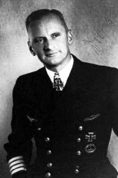 "Kpt.z.See Dr. Jur. Kurt Dobratz. Kdt. ""U 1232"". RK. 23.1.1945."