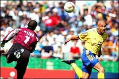 Sweden 1 Senegal 2 aet in 2002 in Oita. Henrik Larsson gives Sweden the lead on 11 minutes in Round 2 #WorldCupFinals