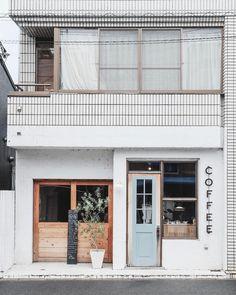 Ideas for exterior design cafe architecture Deco Design, Cafe Design, Store Design, House Design, Cafe Restaurant, Restaurant Design, Mini Cafeteria, Exterior Design, Interior And Exterior
