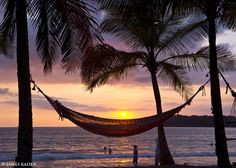 Playa Carrillo Located just south of Playa Sámara, Playa Carrillo is smaller, prettier and far less crowded. Development is limited to hammocks strung between palm trees and pushcart vendors selling cold coconut water.