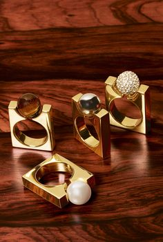Eye-catching Darcy rings add glamour to your festive Chloé gifts