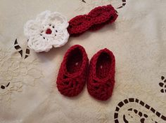 Check out this item in my Etsy shop https://www.etsy.com/listing/545101673/crochet-baby-headband-ballet-baby