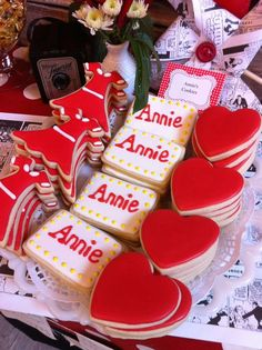 Orphan Annie Cast Party Party Ideas   Photo 9 of 14