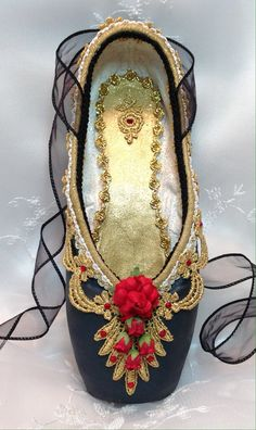 Spanish themed decorated pointe shoe. Don Quixote. Kitri. Paquita. Carmen.