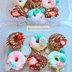@somosumonly #candycolor #candy #donuts #donut #rosquinha #delicias #sobremesa Donuts, Cake, Desserts, Food, Dessert Food, Pie Cake, Meal, Beignets, Cakes