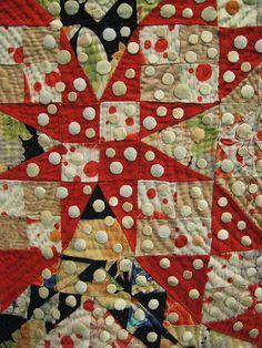 Tokyo quilt show. @Carol Van De Maele Van De Maele Morrissey... Here is an interesting usage of dots.