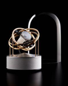 Swiss Watch Winder of excellence. Double-Axis movment. #bernardfavre #BF #BFwatchwinder #swisswatchwinder #swisswinder #uhren #montres #watches #timepieces #horology #horlogerie #gold #silver #shop #store #luxe #luxury #remontoir #orologi #accessories #accessory #hautehorlogerie #grandecomplication #wristwatch #swissmadequality #chronograph #swissmade #switzerland #suisse #schweiz #svizzera #neuchâtel #lachauxdefonds #watchfam #watchaddict #chronographe #design #watchmaker #quality Silver Shop, Swiss Watch, Stainless Steel Polish, Display Case, Luxury Watches, White Leather, Planets, Cuff Bracelets, Gold