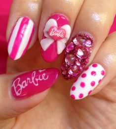 Barbie nails♡