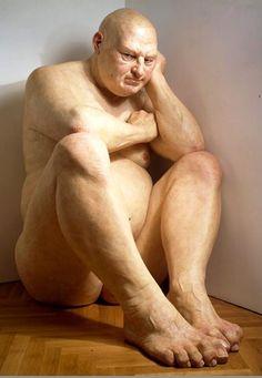 Ron Mueck hyperréalisme  Big man (assis : 1,83, 1998)