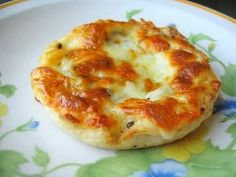 healthy college food = white pizza on an english muffin, this is ALSO great for one,if you live alone. I love making english muffin pizzas!!!!