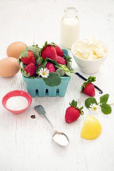 Delicious Bites: Strawberry Swirl Cheesecake by decor8, via Flickr