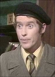 Some Mothers Do 'ave 'Em .Michael Crawford as Frank Spencer. Had a bit of a crush on Michael Crawford. Frank Spencer, British Comedy, British Sitcoms, Comedy Tv, Beautiful Family, Funny People, Childhood Memories, Sweet Memories, Favorite Tv Shows