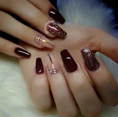 Modern interior House Design Trend for 2020 Red Acrylic Nails, Acrylic Nail Designs, Glitter Nails, Nail Swag, Stylish Nails, Trendy Nails, Wine Nails, Burgundy Nails, Luxury Nails
