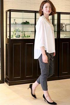 ゆったりきれいめブラウスにスウェットパンツ♪ 〜きれいめカジュアル系タイプのファッション スタイルのアイデア コーデ〜