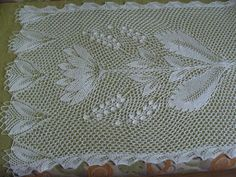 Stole with flowers. 100% mercerized cotton.