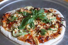 Thai Chicken Pizza. Looks Good. http://tastykitchen.com/recipes/main-courses/thai-chicken-pizza/