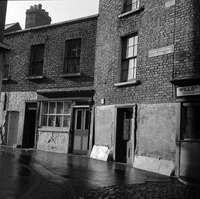 Cathedral Lane, Dublin 1964 Ireland Pictures, Old Pictures, Old Photos, Dublin Street, Dublin City, Scenic Design, Dublin Ireland, Historical Photos, Cathedral