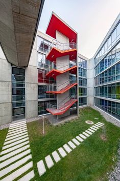 Image 2 of 35 from gallery of METU Graduate Students Guesthouse / Uygur Architects. Photograph by Yercekim Architectural Photography Stairs Architecture, Concept Architecture, Architecture Details, Interior Architecture, Facade Design, Staircase Design, Exterior Design, House Design, Parking Building